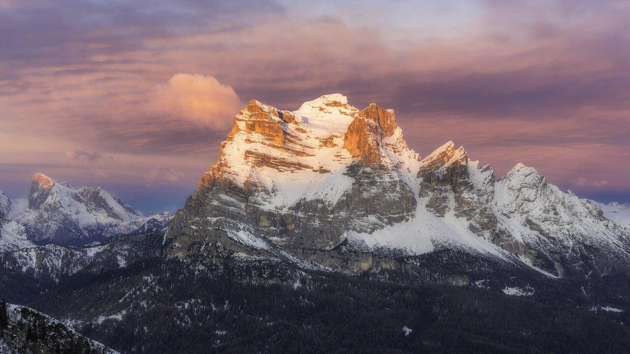 Pelmo mount in winter
