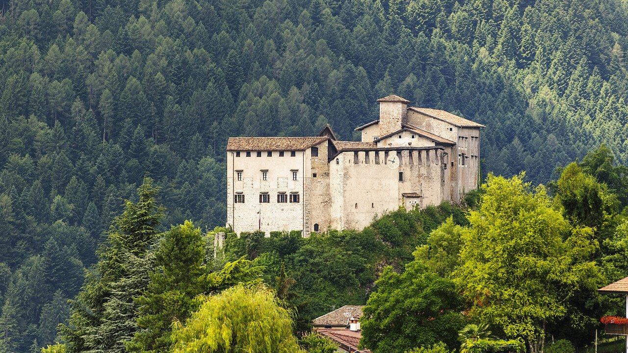 fortificazione_stenico_dreamstime_claudio_giovanni_colombo