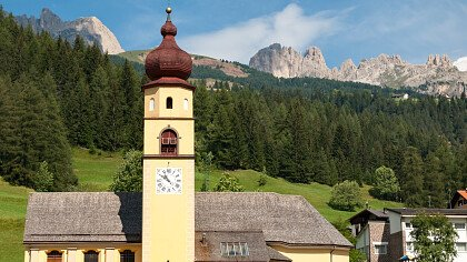chiesa_soraga_dreamstime_salparadis