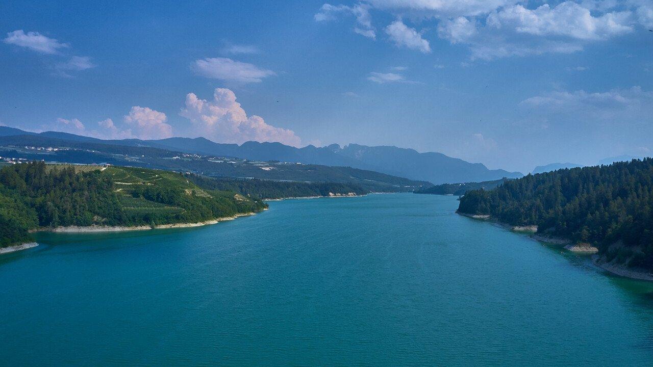 lago_di_santa_giustina_cles_shutterstock