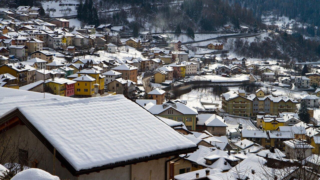 paese_inverno_castello_tesino_shutterstock