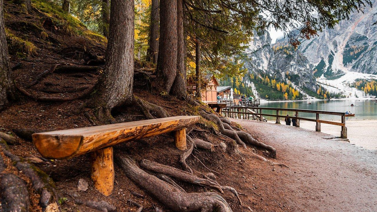 trekking around Braies Lake - Viktor Hanacek | picjumbo