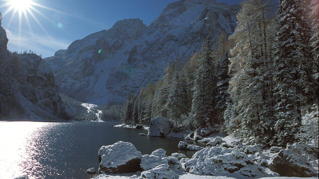 inverno_lago_braies_tre_cime_dolomiti_h_oberhofer