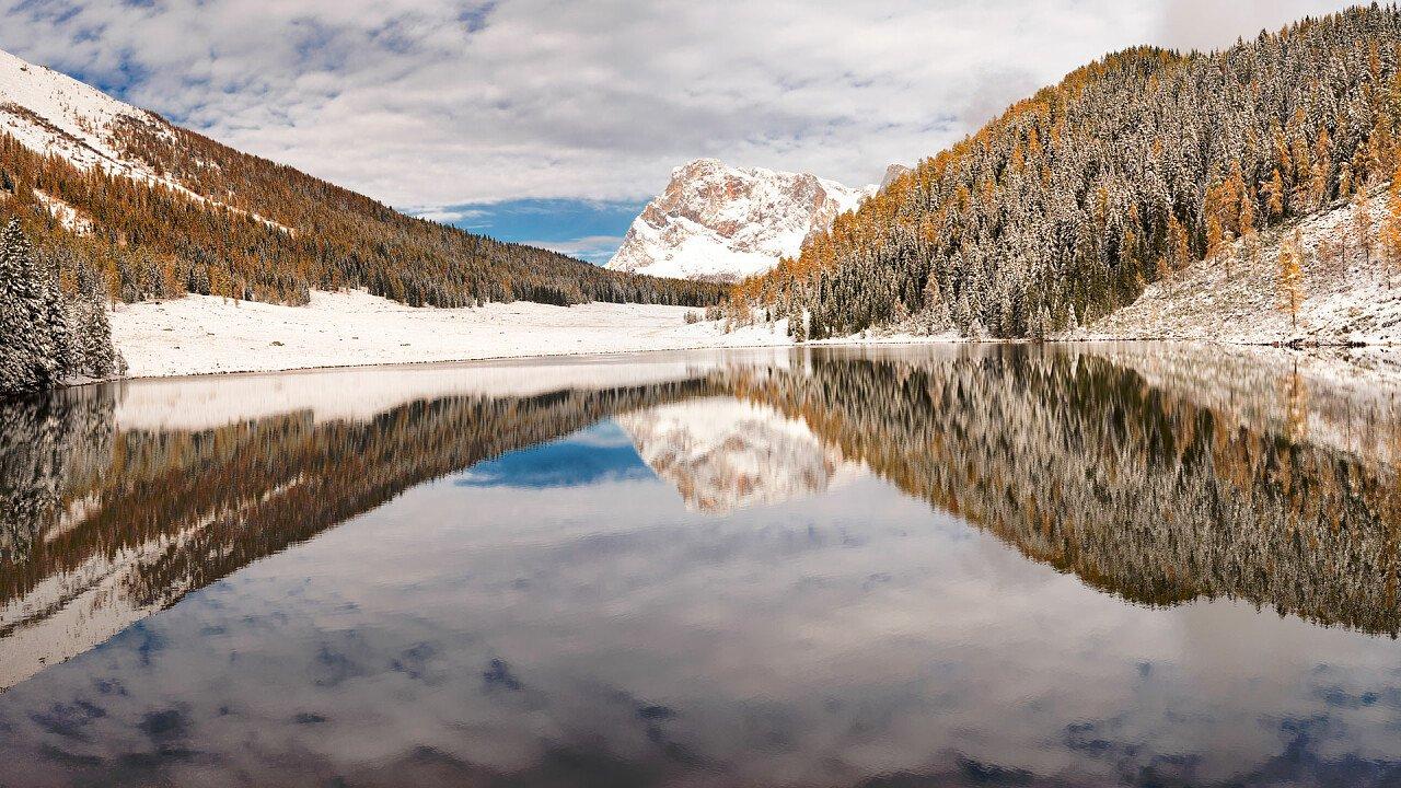 inverno_lago_calaita_siror_dreamstime_claudio_stocco