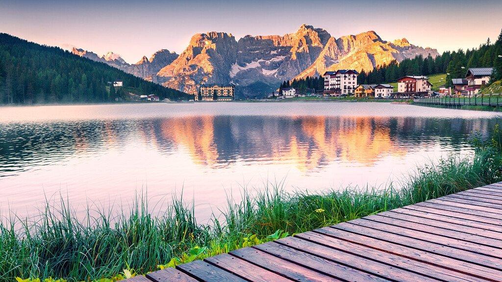 Auronzo e Misurina: vacanza di sport e relax in riva al lago - cover