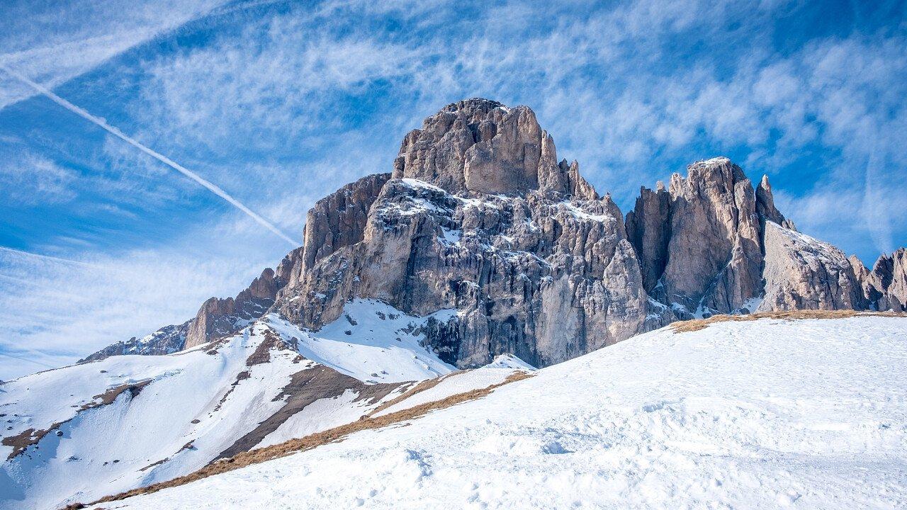 inverno_dolomiti_campitello_fassa_shutterstock