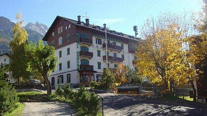 Hotel Serena - cover