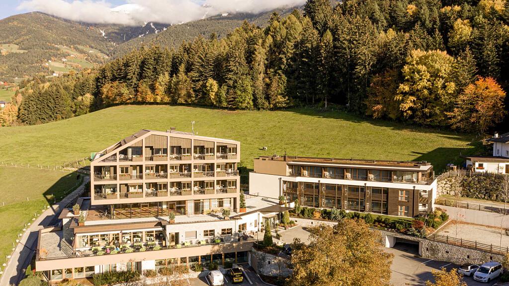 Hotel Fischer - cover