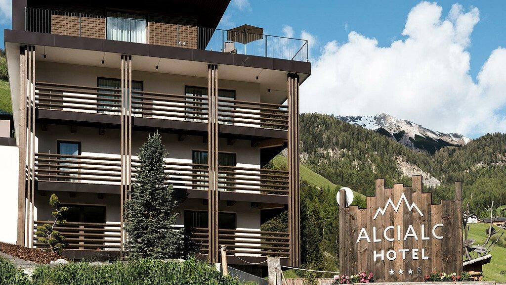 Hotel Alcialc - cover