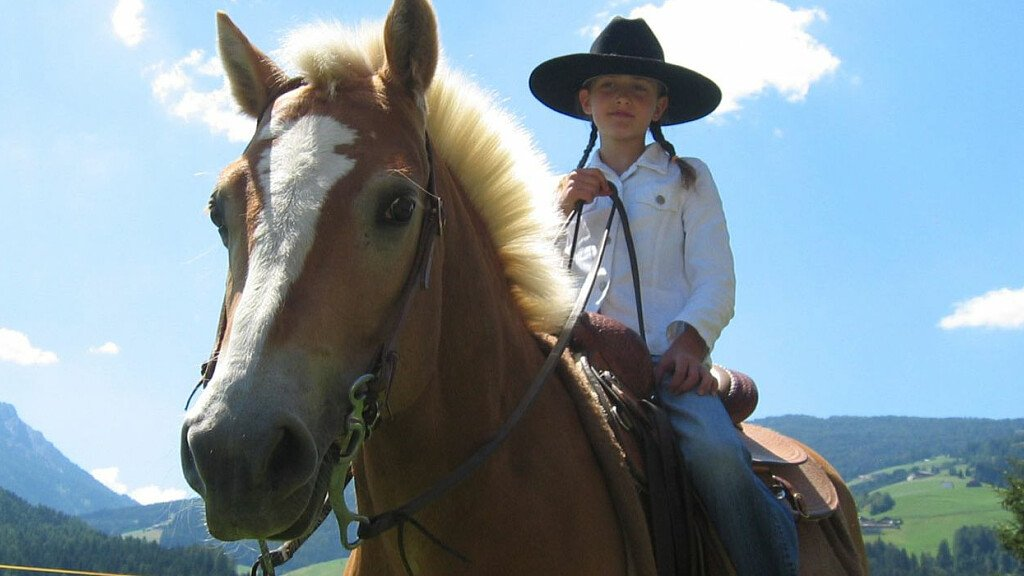 Try our family horse riding weeks... - cover