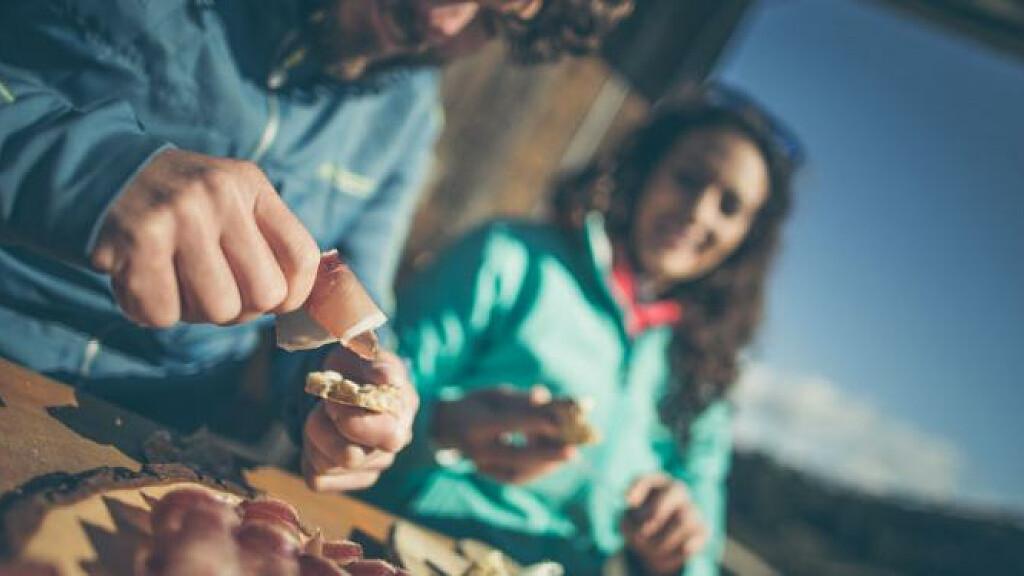 Escursioni e piaceri culinarie in autunno d'orato - cover