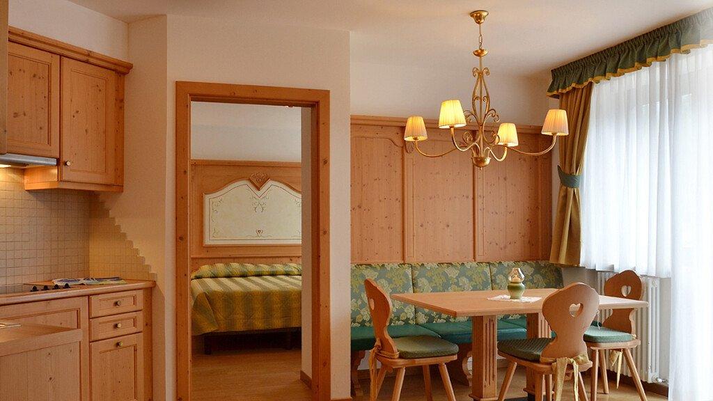 Superior three-rooms apartment - cover