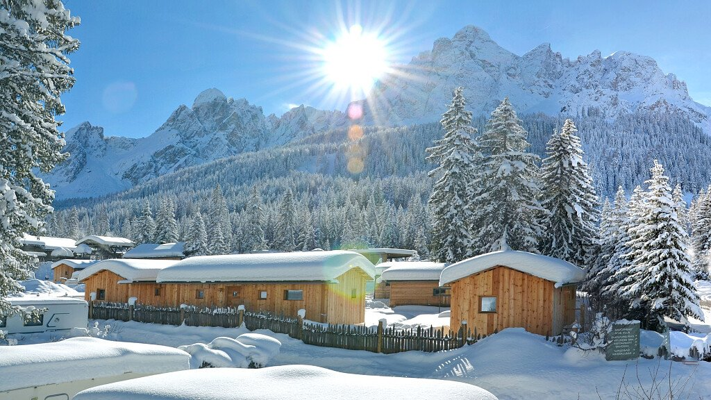Dolomiti Lodge - cover