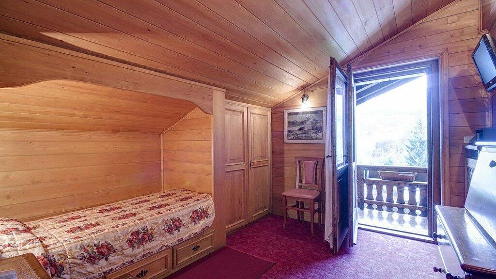 Einzelzimmer im Gästehaus - cover