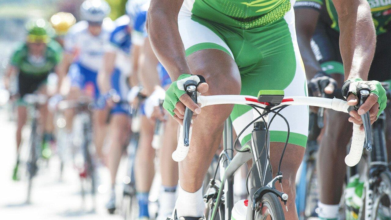 Gruppe von Radfahrertraining