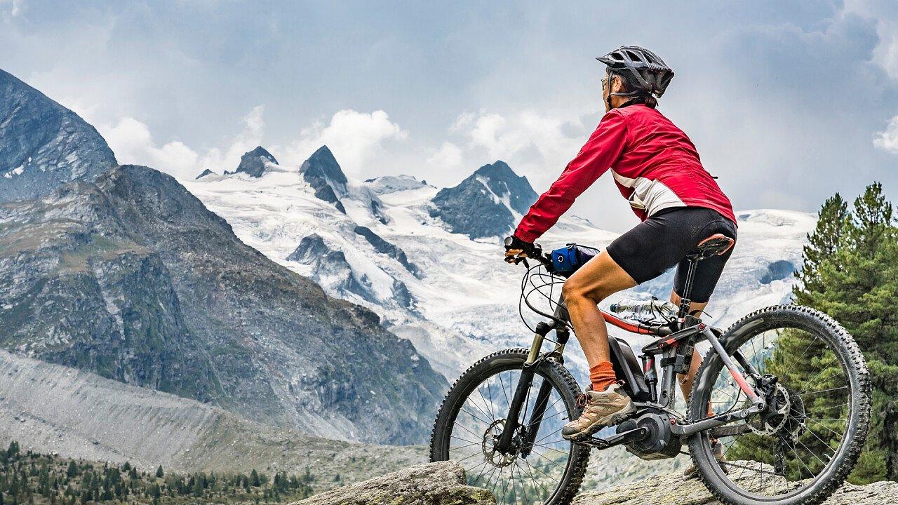 E-bike in winter in the Dolomites