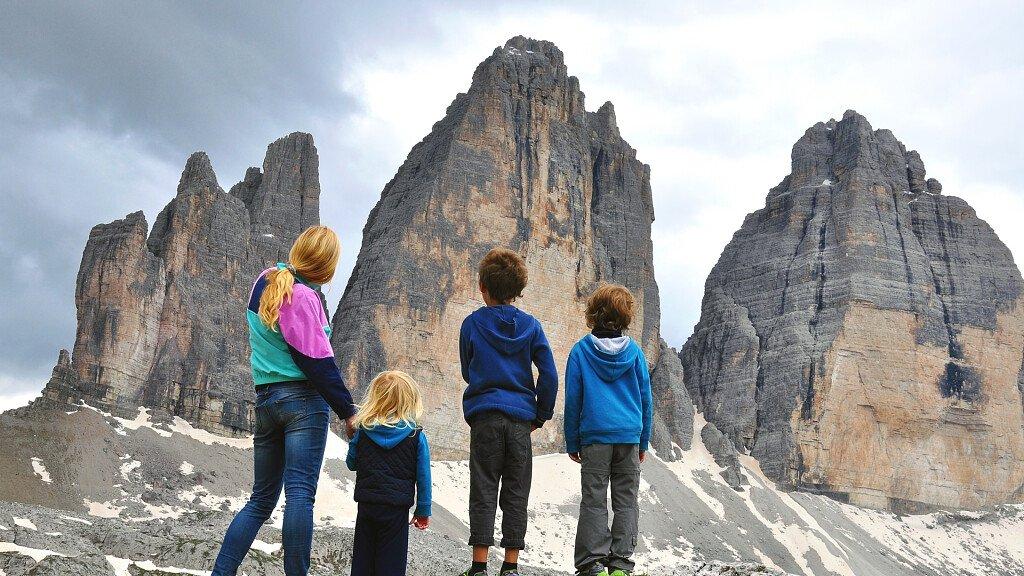 Vacanze con bambini: hotel, offerte, itinerari per famiglie sulle Dolomiti - cover