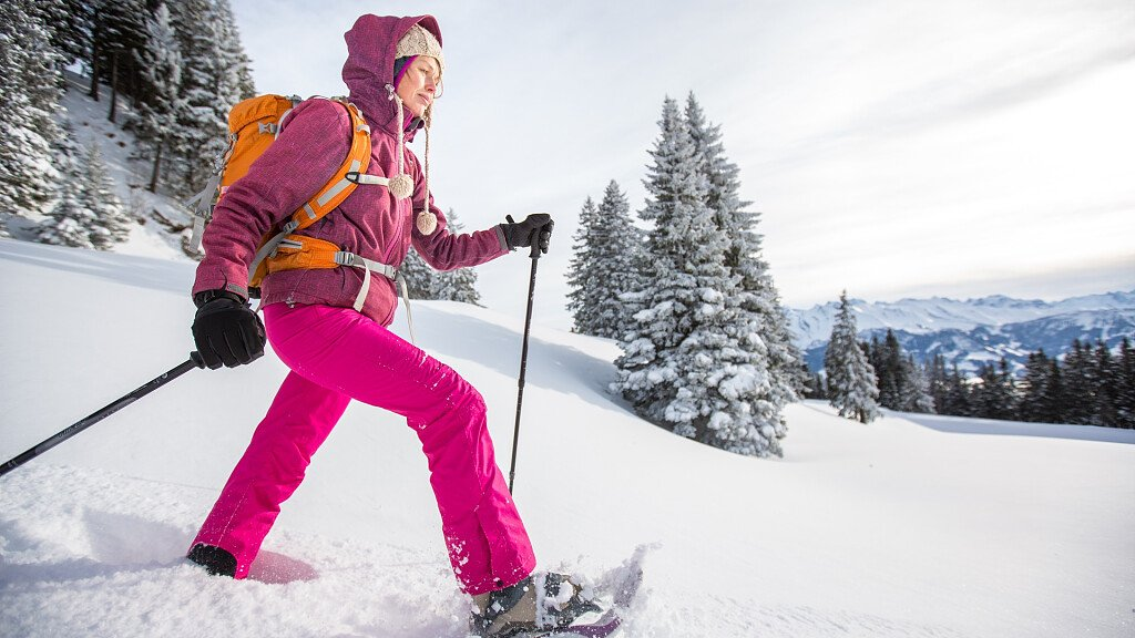 Discover the Dolomites with your snowshoes - cover