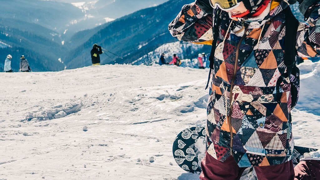 Holiday on the slopes of the Dolomites with your snowboard - cover