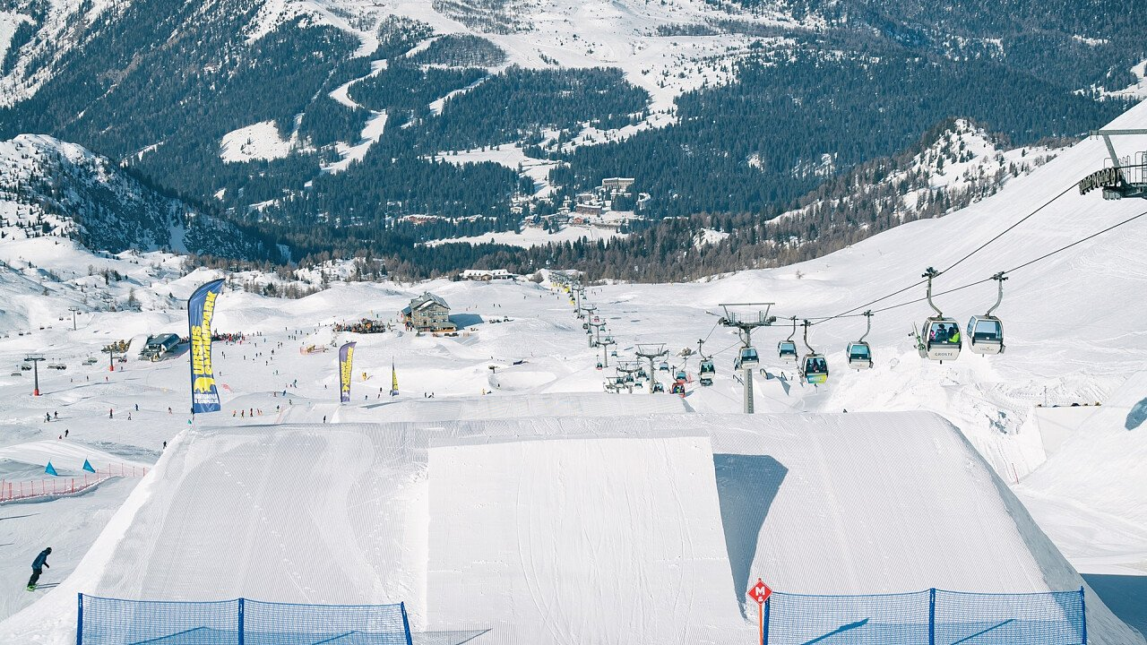 inverno_parco_snowboard_sci_madonna_di_campiglio_shutterstock
