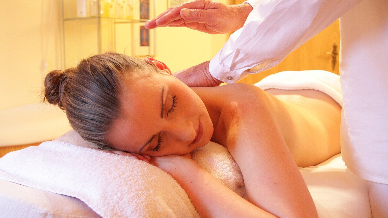 massaggio_schieda_pixabay_rhythmuswege
