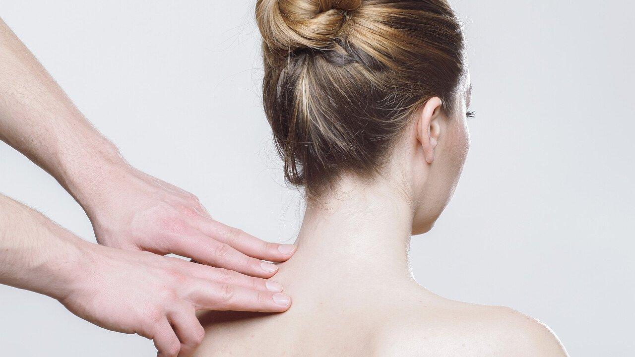 massaggio_spalle_pixabay_whitesession