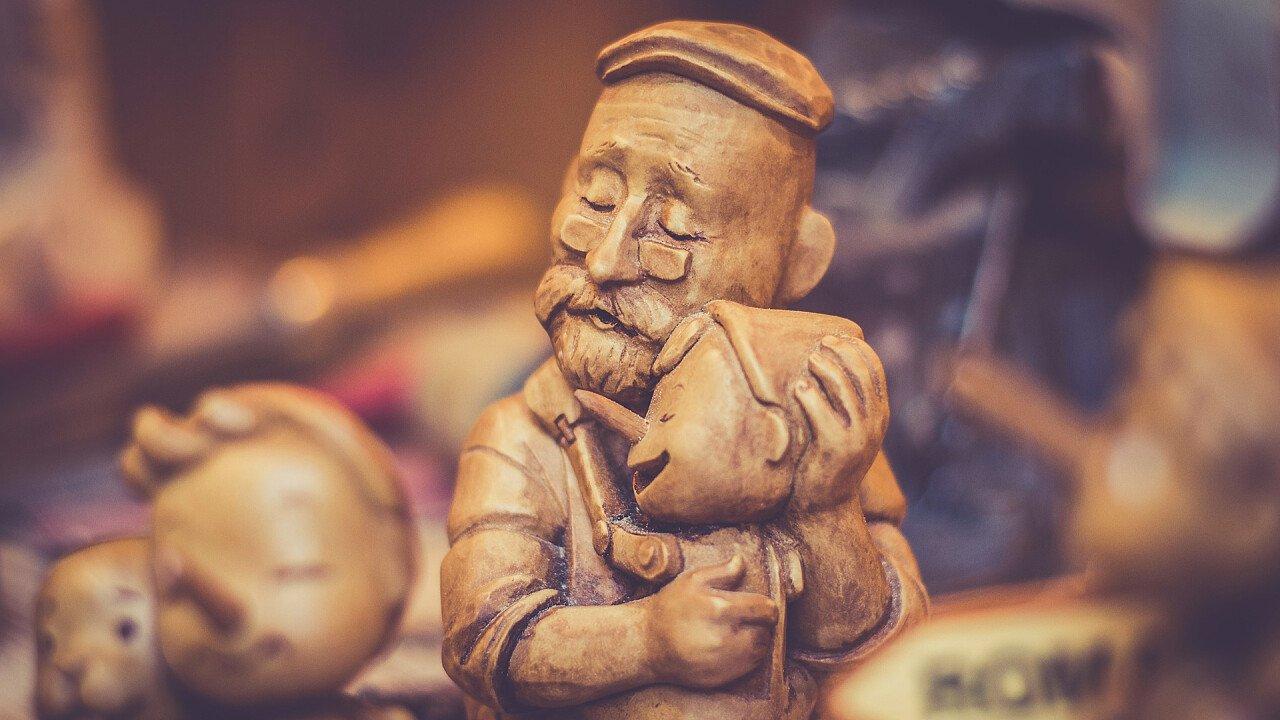 statuette_di_legno_artigianato_pixabay_martieda