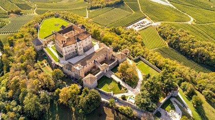arco_castello_trentino_pixabay
