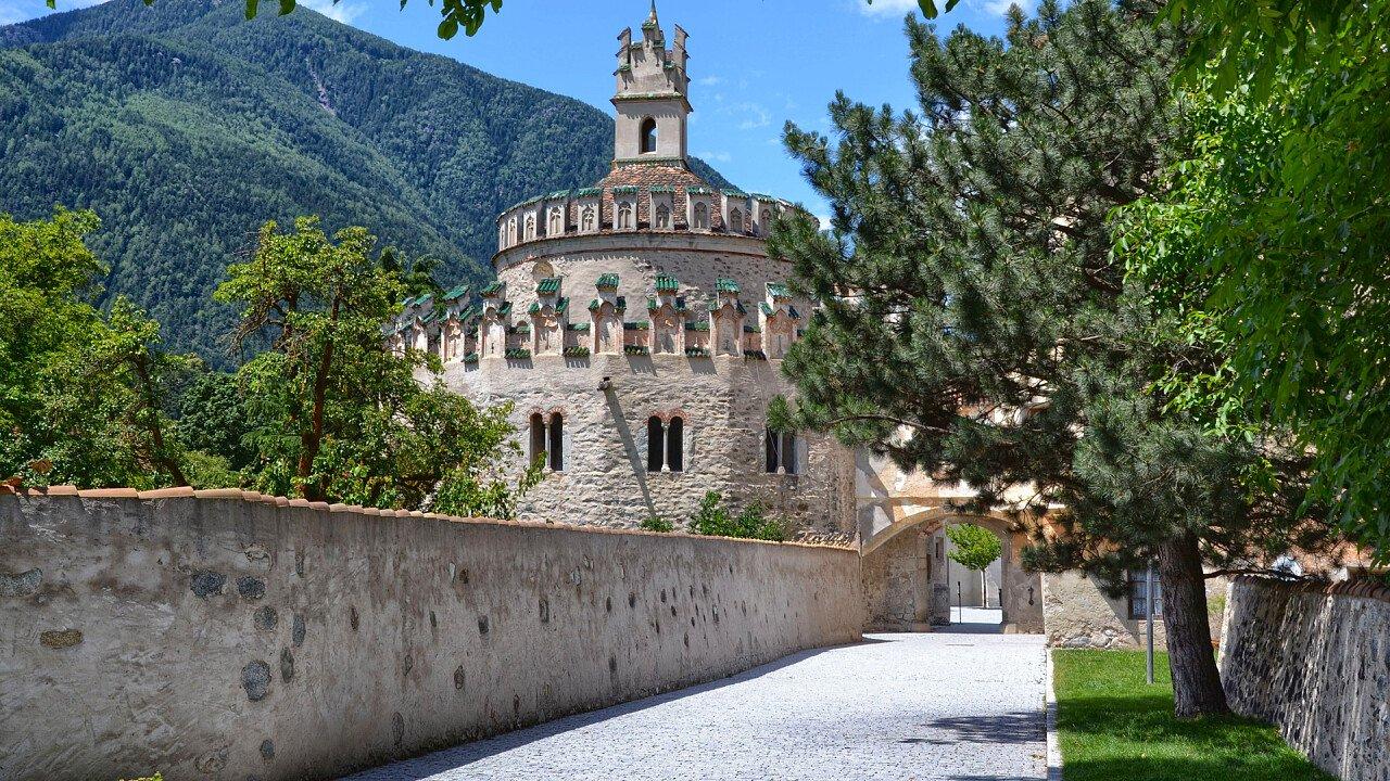abbazia_novacella_bressanone_shutterstock