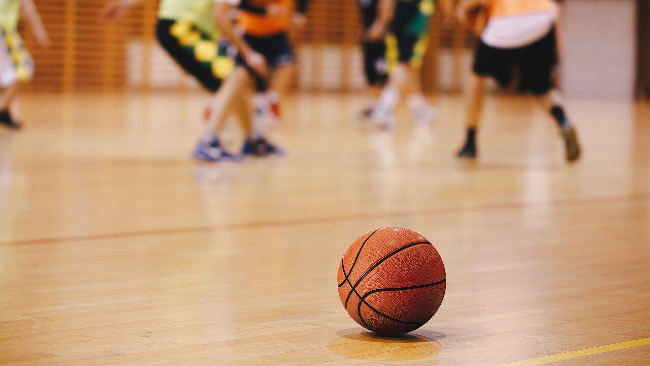 palestra_basket_allenamento_palla_shutterstock