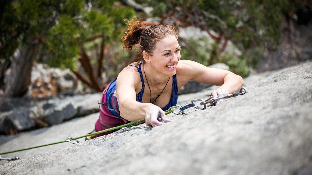 Abenteuer in den Dolomiten zwischen Kletterrouten und Bouldern - cover
