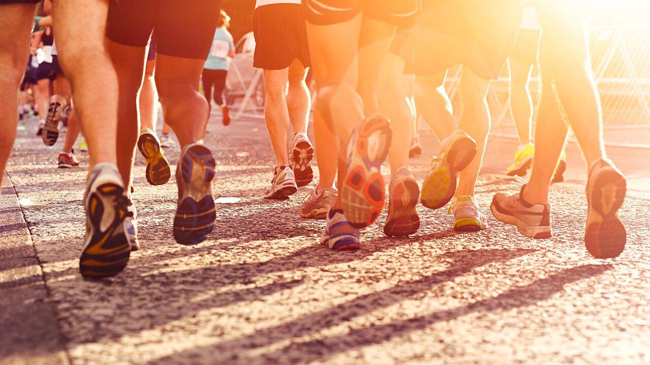 maratoneti_maratona_cittadina_Shutterstock