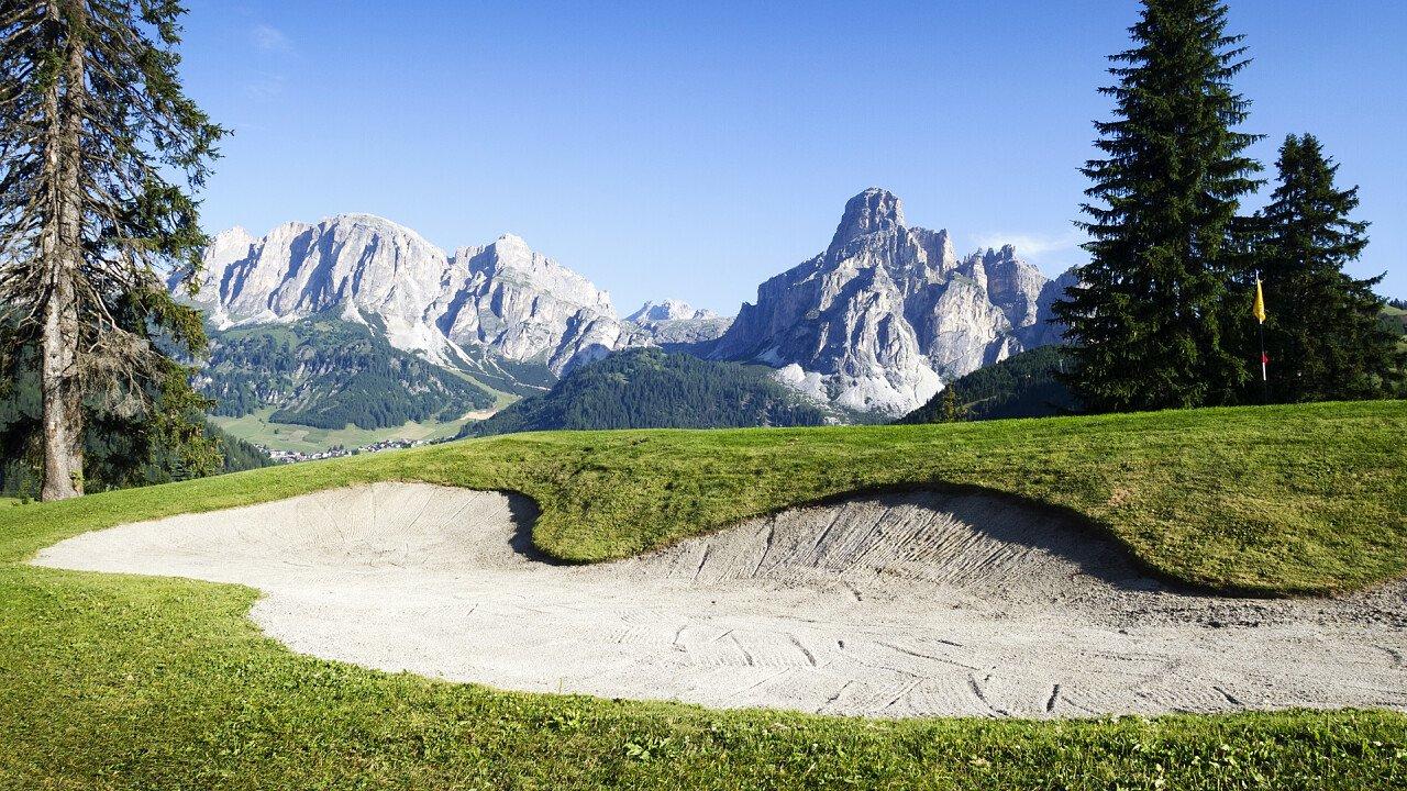 panorama_dolomiti_campo_golf_shutterstock