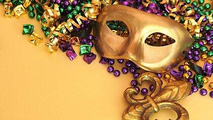 Stelle filanti con maschera di carnevale