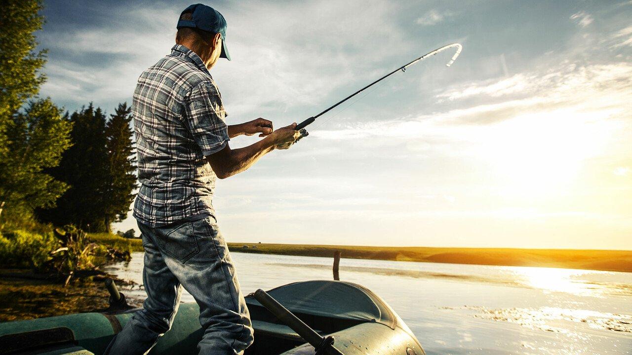 pesca_dal_gommone_shutterstock