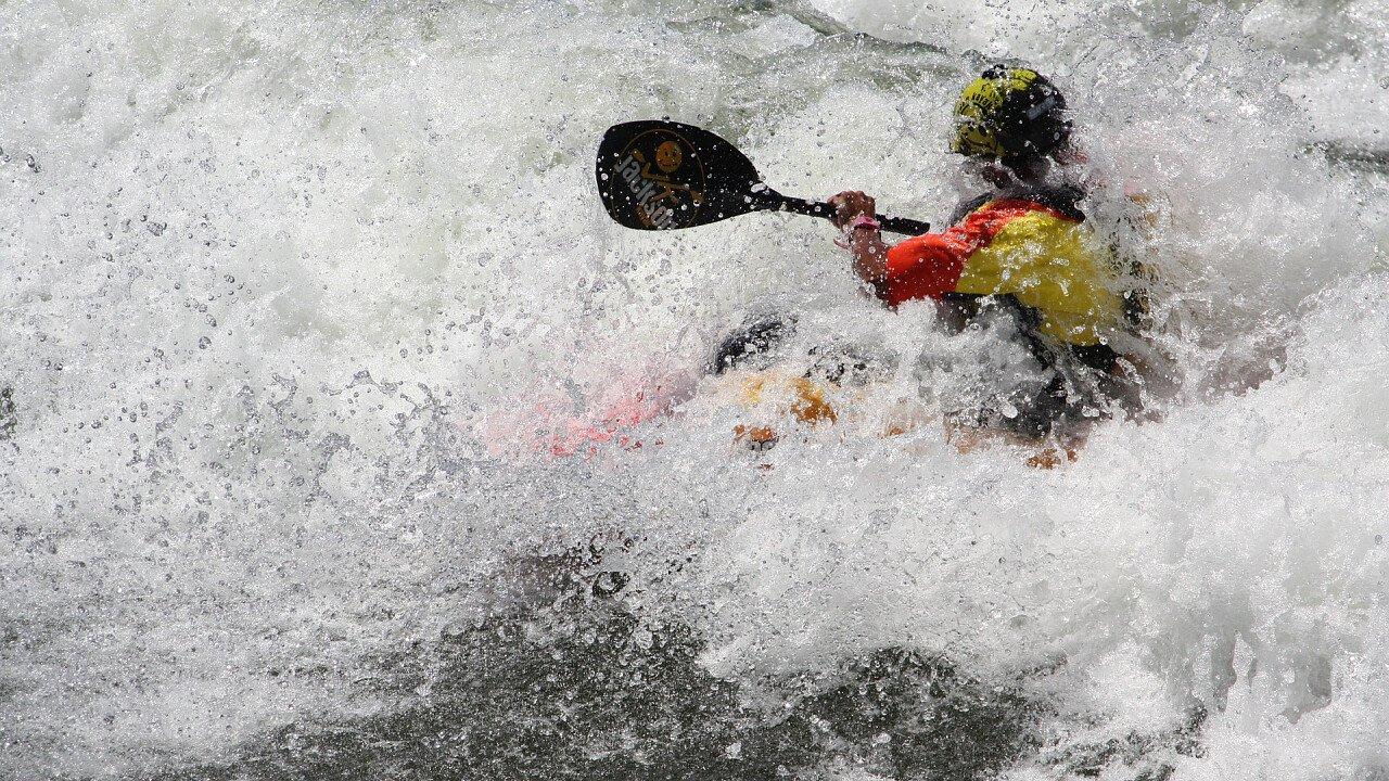 rapide_fiume_kayak_pixabay_rondaw