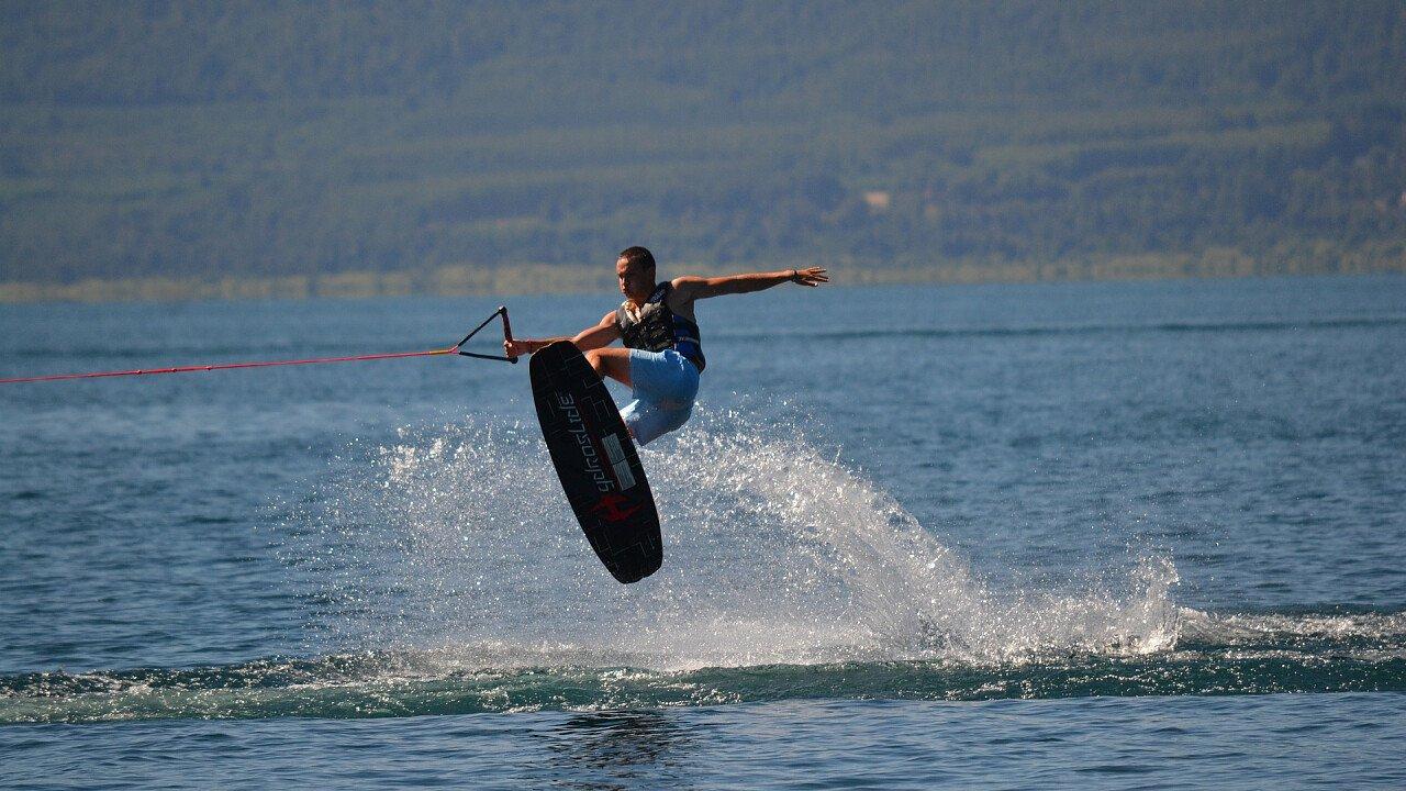 salto_wakeboard_sport_acquatici_pixabay_ivgrez