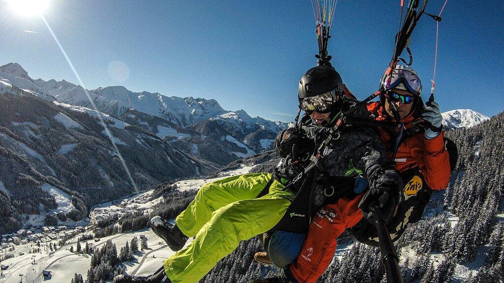 Una vacanza in volo sulle Dolomiti: prova gli sport dell'aria! - cover