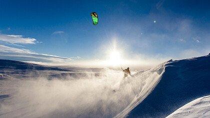 volare_in_parapendio_pixabay_derks24
