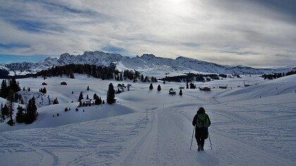 Berge mit Schnee im Seiser Alm