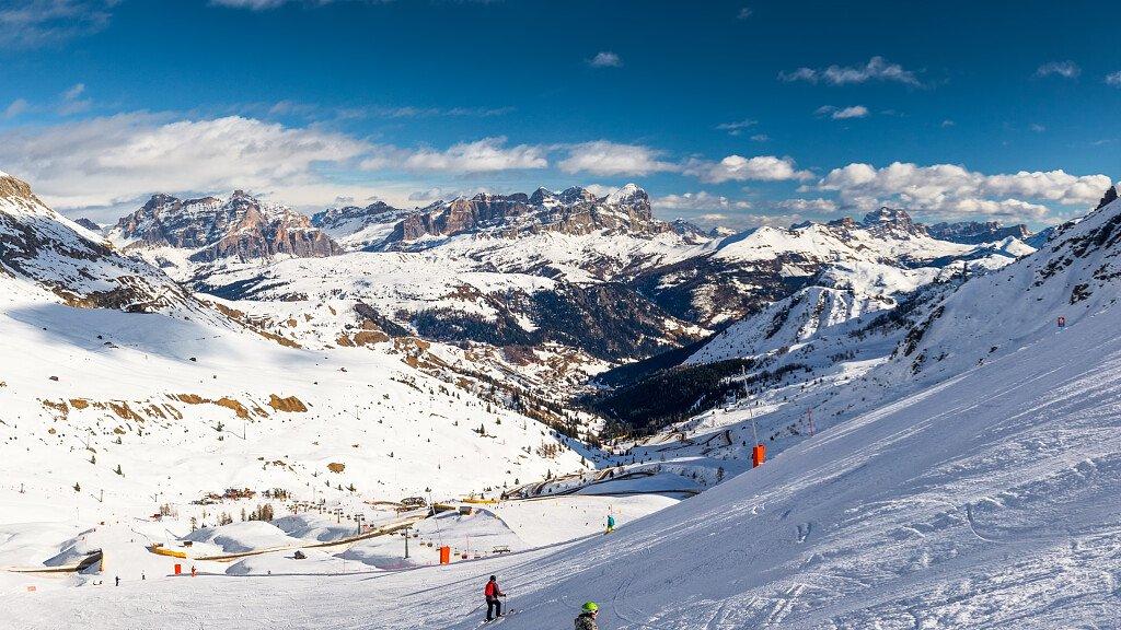 Skifahren im Fassatal im Dolomiti Superski - cover