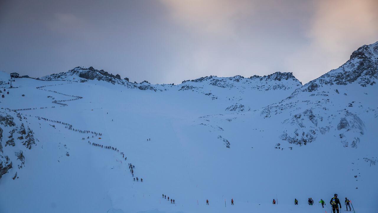 gruppo_scialpinisti_adamello_ski_raid_passo_tonale_Russolo_Modica_Pegasomedia